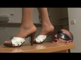 Trampling tongue sandals and nylon