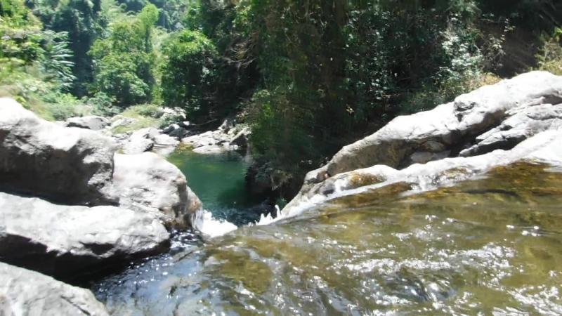 Вид с водопада Том Клой