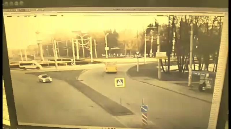 В Чебоксарах пьяный водитель погиб врезавшись в столб
