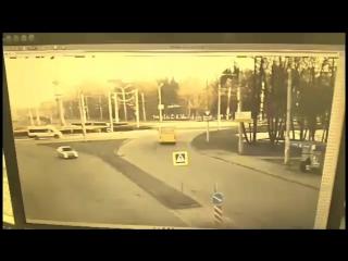 В Чебоксарах пьяный водитель погиб, врезавшись в столб
