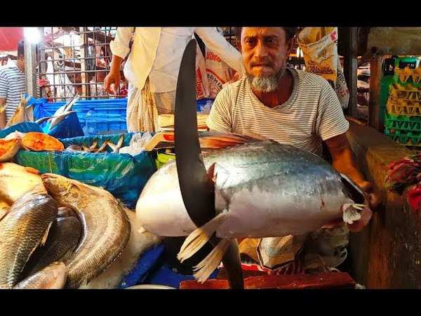 ЭТОТ РЫБАК ГОВОРИЛ: Я РАЗДЕЛАЮ ДАЖЕ КИТА ! Вот это рыбалка 2018 Такого ты еще не видел