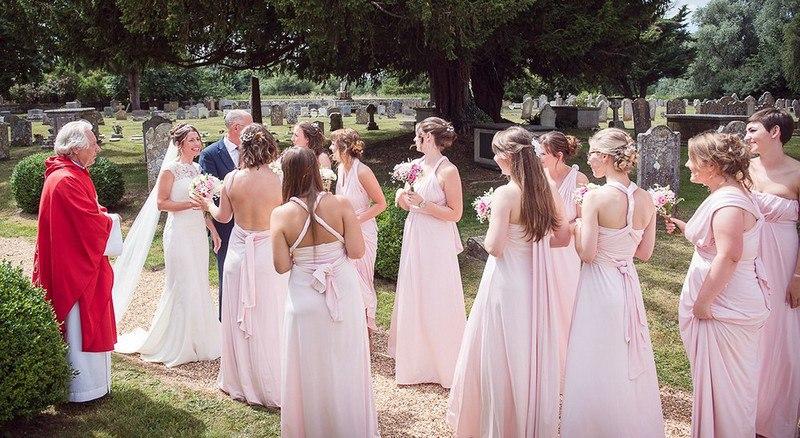 28 племянниц в роли подружек невесты