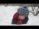максимка купается в снегу