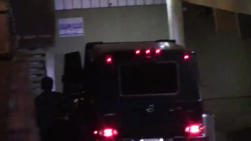Justin leaving the Saban Theatre in Beverly Hills, California