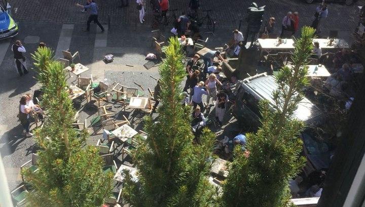 Вести Ru Теракт в Мюнстере грузовик влетел в толпу людей