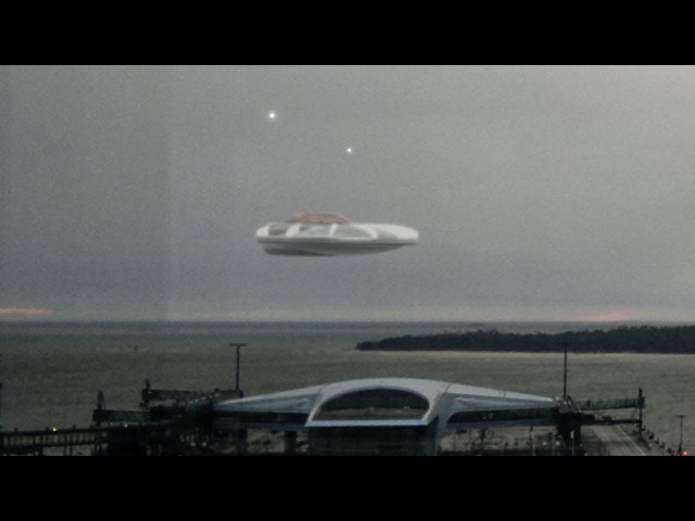 THUMPING UFO ALIEN FOOTAGE 25th December 2017