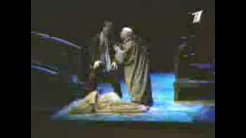 Reportage on Dmitri Hvorostovsky singing Rigoletto, 2000