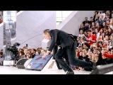 СЕРГЕЙ ЛАВРОВ УПАЛ на сцене и встал на колени! Прикол! Самая полная версия!