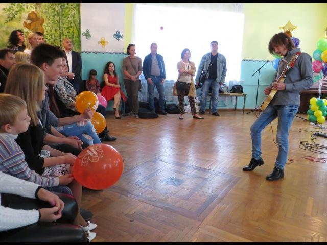 Участник детского Голоса Владимир Черноклинов.