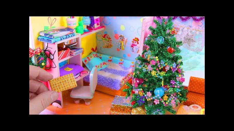 DIY Miniature Christmas-Themed Dollhouse Room Christmas Tree and a Wreath