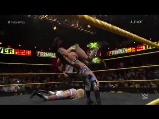 10 лучших женских матчей NXT: 4 место Charlotte vs. Bayley vs. Sasha Banks vs. Becky Lynch TakeOver: Rival #WWE #NXT #TakeOver #