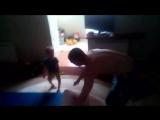 внук Лёха тренируется с папой и учится готовить с мамой..