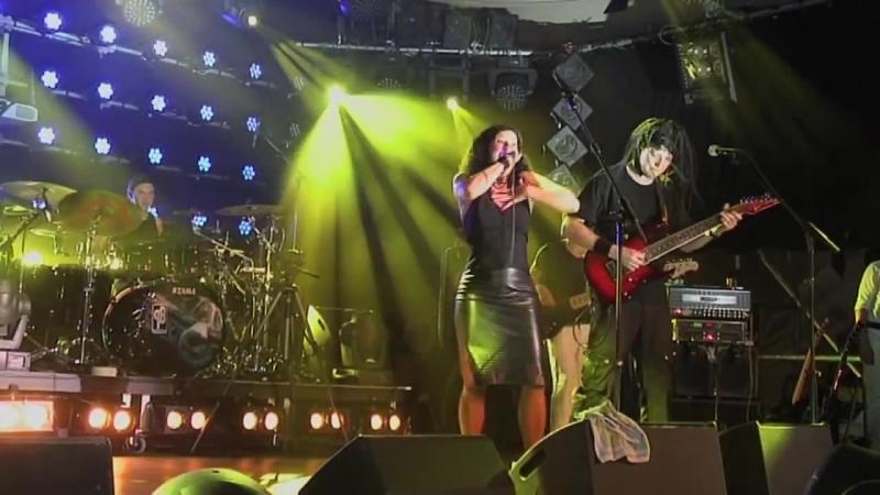 Panzerballett - Ein bisschen Frieden (feat. Conny Kreitmeier) (Live at Theatron Munich 2013)