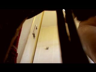 Сын установил скрытую камеру в ванной и снял свою маму _Son spying mom in bath