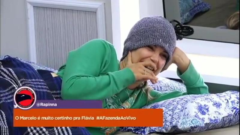 """Flávia admite que perdeu a mão no vinho """"Tem comprimido de ressaca moral """""""