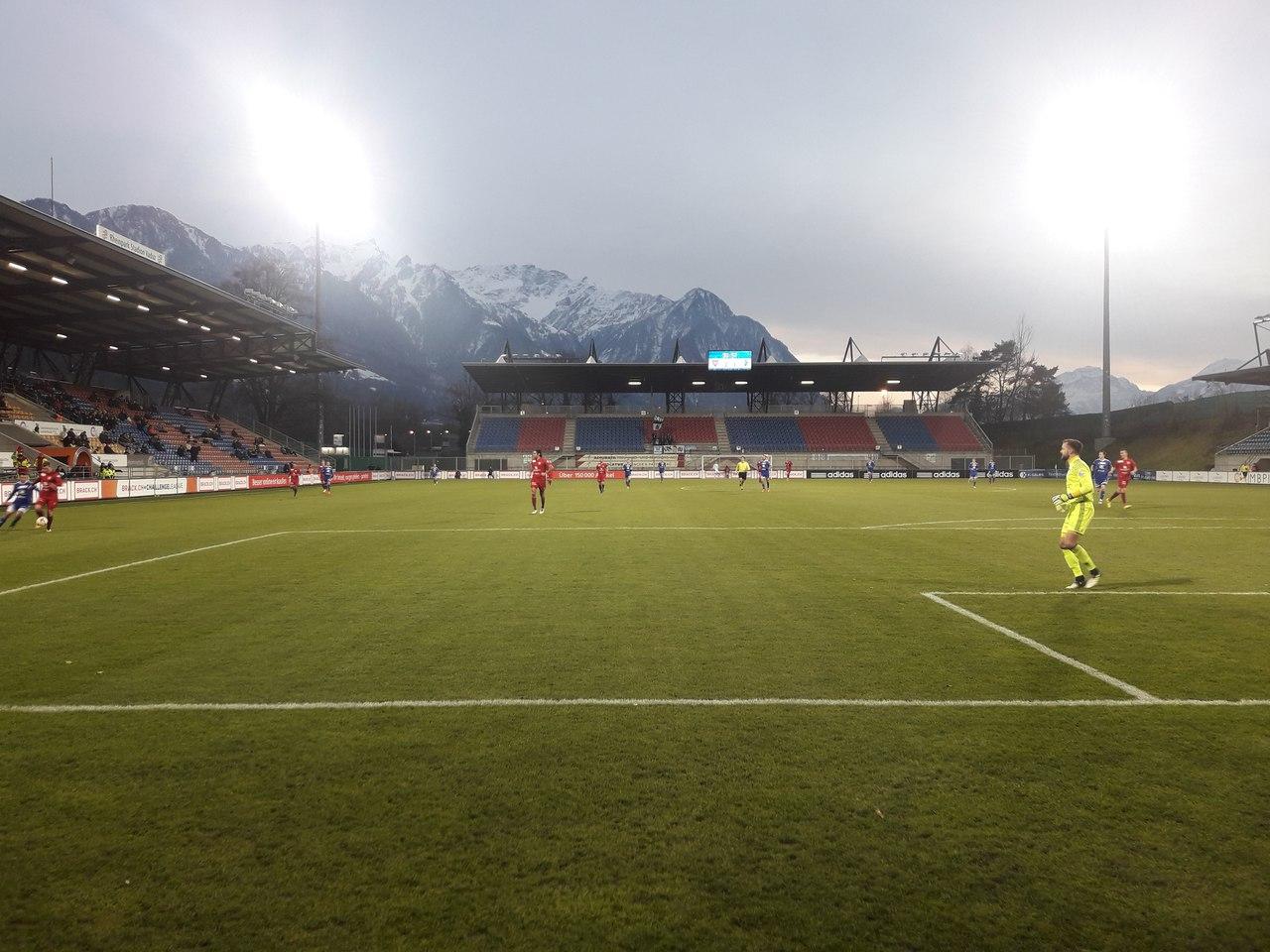 стадион Райнпарк в Вадуце на матче с Воленом