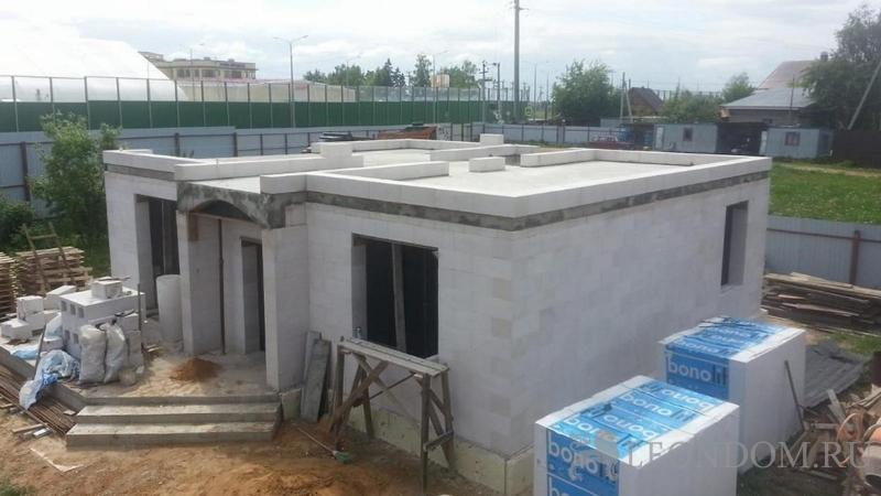 Закончено устройство межэтажного перекрытия и монолитной лестницы в КП Подмосков