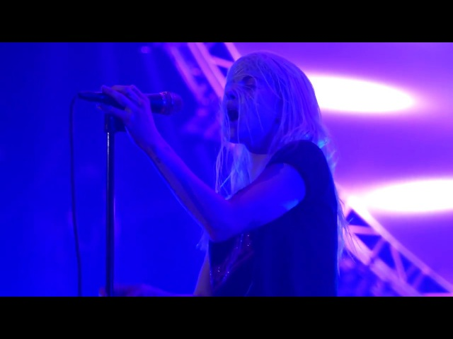 "Paramore Cover Fleetwood Mac's ""Everywhere"" (Full HD, 4K)"