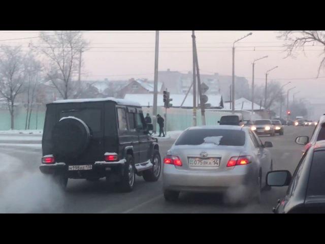 Н198АЕ 138RU. 04.01.18. 1Мая-Естая. Проезд перекрестка на красный по встречной полосе