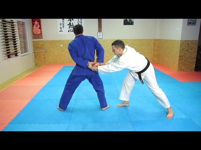 23 Уширо Риотэ Дори Дзюдзи Нуки Ushiro Ryote Dori Juji Nuki Освобождение от захвата за руки