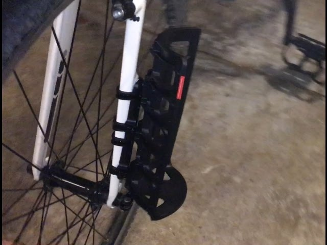 Salsa Anything Cage HD and Gorilla Clips on Trek FX3