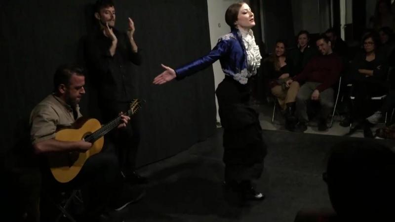 Cristina Hall por Alegrias