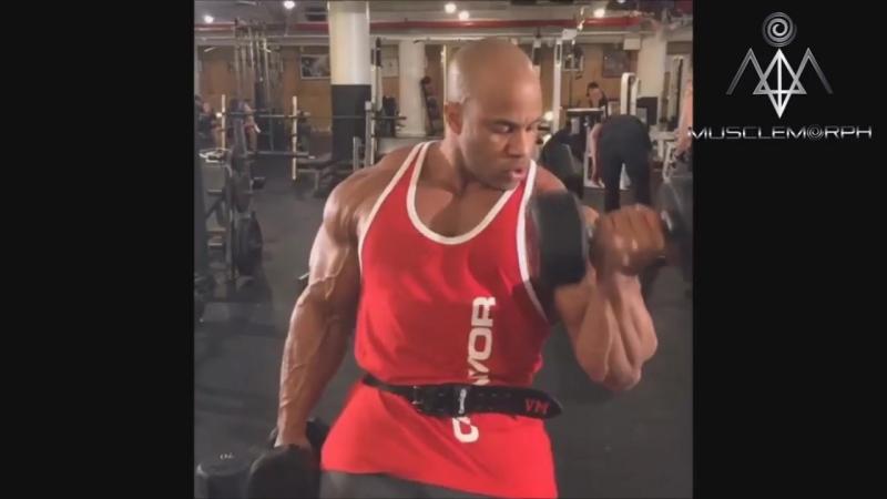 Victor Martinez - I WILL BEAT PHIL HEATH - Bodybuilding Motivation Mr.Olympia 2017
