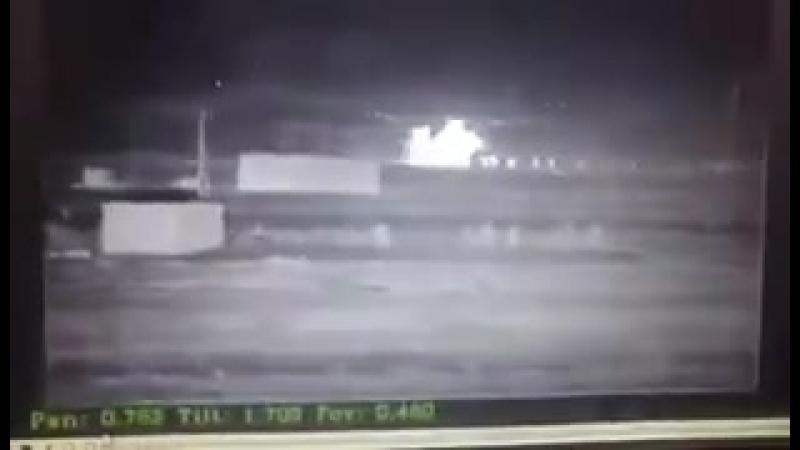 Иракцы на границе с Сирией засняли момент как вертолёты США вывозят боевиков ИГИЛ