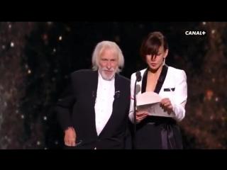 Софи Марсо и Пьер Ришар наградили Сезаром Нелюбовь Андрея Звягинцева в категории лучший иностранный фильм.