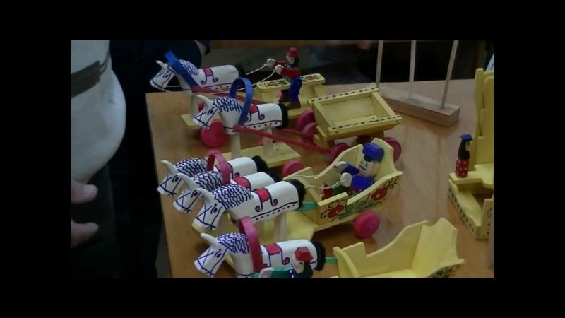 Продолжатель традиции топорной игрушки