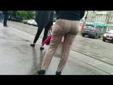 Mature mom in pants big ass (Зрелая мамка надела тугие брюки на свою спелую задницу)