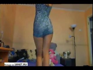 Domashniy_striptiz Молоденькая в белых трусиках возле зеркала.Голые студентки пошлое русское видео