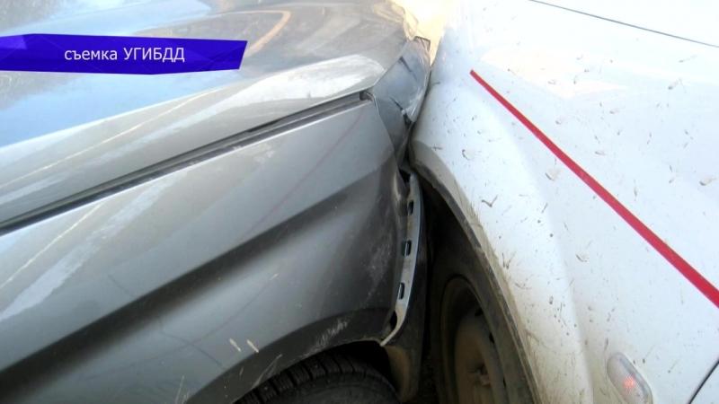 Обзор аварий. Пострадала женщина-водитель Хендэ. 19.04.2018