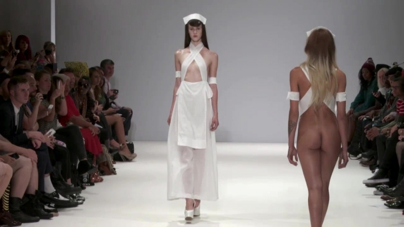 Pam Hogg SS 13 Save Our Souls голые модели на подиуме
