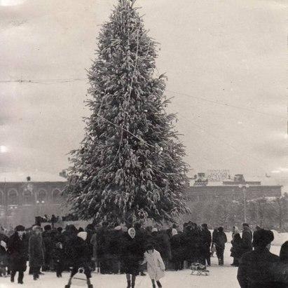 #история Новогодний Саратов 1950-1987 год  Снимки: oldsaratov