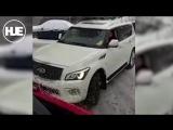 Водитель Infinity в Москве не пропустил во дворе две пожарных машины и одну скорую