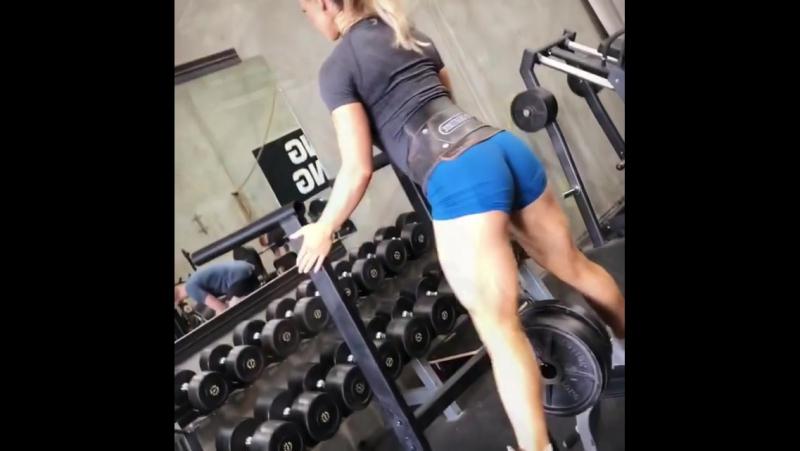 Стефани Санзо