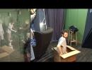 Наряжаем елку на студии