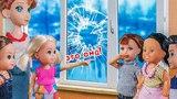 БЛИЗНЯШКИ ЯБЕДЫ! Мультфильмы с куклами Барби мультик barbie мульт школа дисней