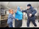 ПОЛИЦЕЙСКИЙ ИЗБИВАЕТ МАМУ ГРИФЕРА! АНТИ-ГРИФЕР ШОУ 111