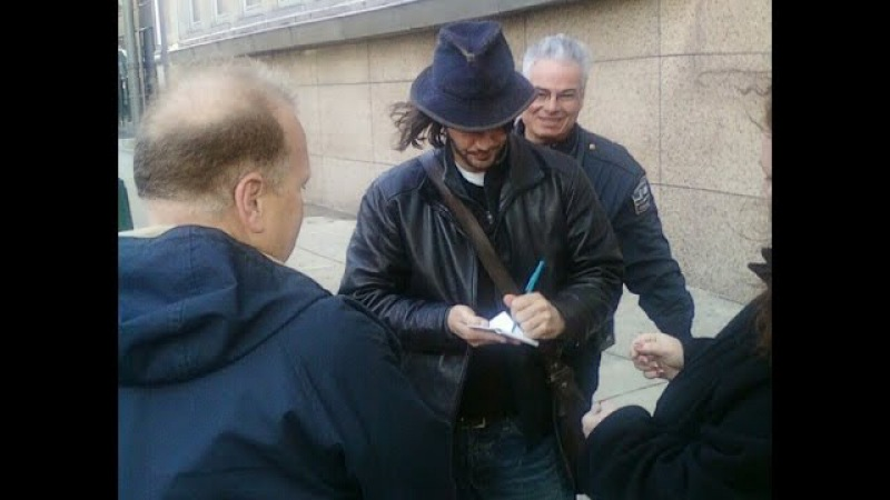 2009 Keanu Reeves in Buffalo. Henrys Crime (pre-production)