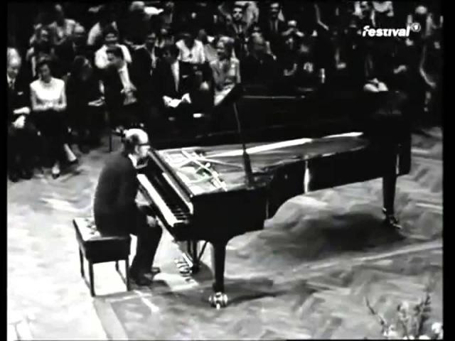"FRIEDRICH GULDA – Variationen über / Variations on ""Light My Fire"" (early version, HD)"