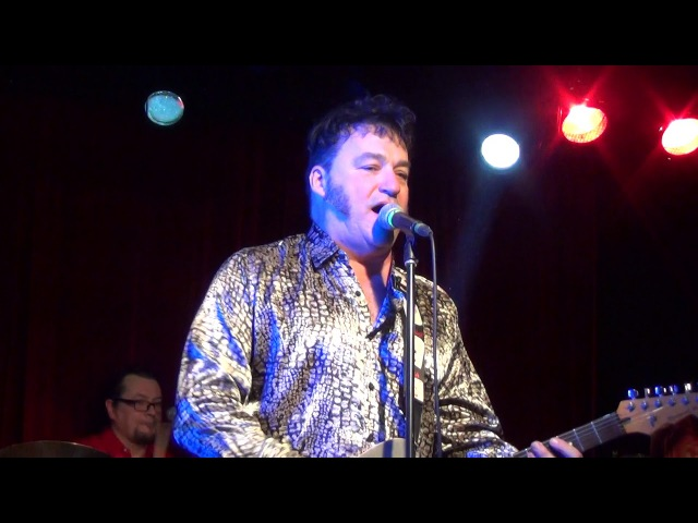 Red Elvises in 16 tons - Don't Crucify Me