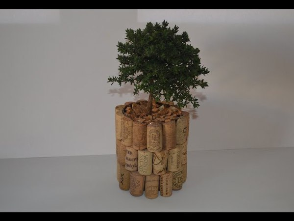 How to Make a pot with stoppers cork - Como Hacer una maceta con tampones de corcho -