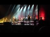Нечёткость картинки обусловлена переизбытком слюны и дрожанием рук..Bryan Ferry - Don't Stop The Dance - St.Pete 11 Oct 2017