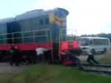 Такое может быть только у нас в России и я горжусь этим))  (заводят поезд)