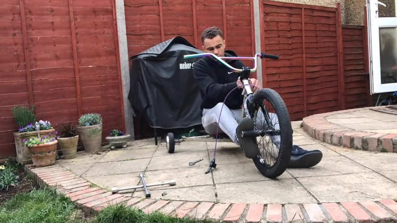 HOVERBIKE HOW TO MAKE A ELECTRIC TRIKE FROM A HOVERBOARD WORLDS FIRST 🤖