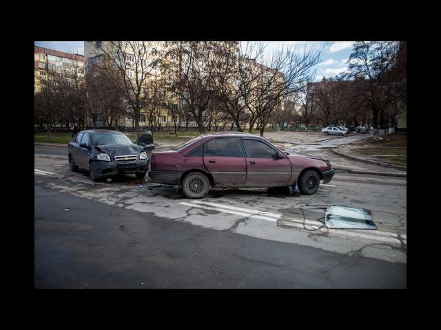 На Генерала Захарченко не поделили дорогу Opel и Chevrolet