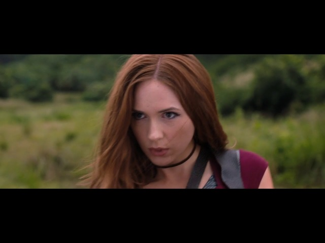 Jumaji: Welcome to the Jungle | Karen Gillan | Sexy Dance and Fight Scene | 1080p