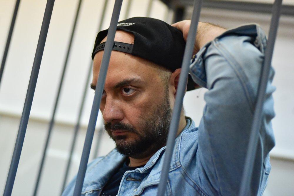 Умерла мать режиссера Кирилла Серебренникова. Сам он находится под домашним арестом